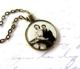 Custom necklace with your family photo, 1' round or square setting