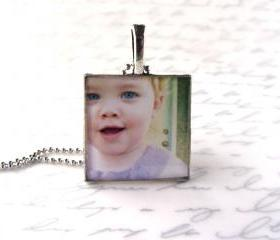 Custom necklace with your family photo, 1' square setting