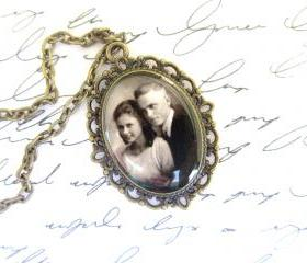 Custom necklace w/ your photo, small oval setting
